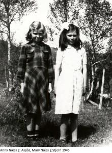 Anny Næss g. Aspås, Mary Næss g. Stjern 1945x